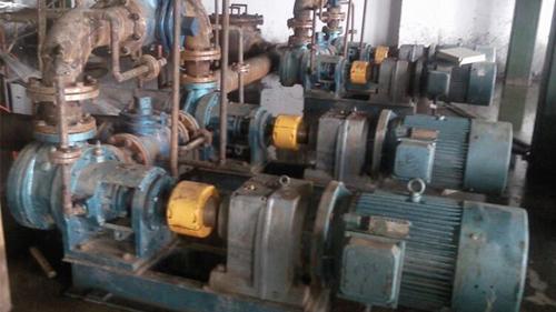 沥青混合料泵在东方雨虹用户现场正常运行4年