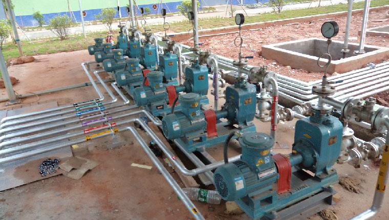 头条泉州市富邦化工制品溶剂泵采用远东U40CYZ-40自吸油泵
