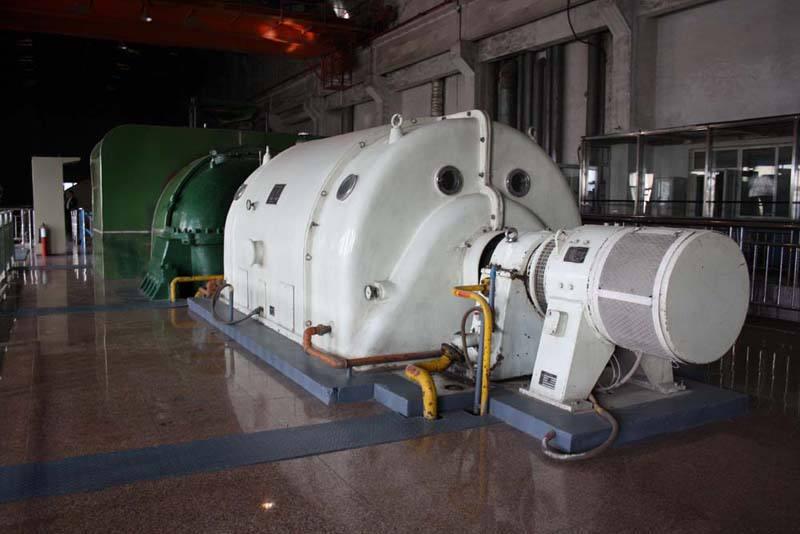 福建新万新发电设备水电站调速器控制油泵采用远东3G70X4C2高压螺杆泵