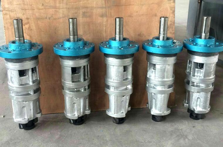 巨能机械中国公司签约远东泵业SNE/A280-46螺杆泵配套HR500N型离心机
