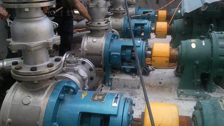 无棣德信化工基础聚醚原料卸车泵/聚醚输送泵全部采用远东YCB齿轮泵和高粘度泵
