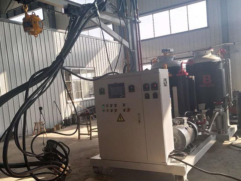 聚氨酯发泡机黑料与白料泵选择远东KCB83.3CL磁力齿轮泵